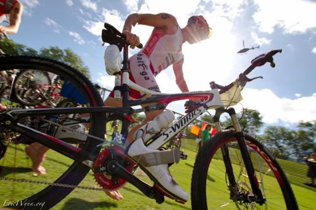 conrad-stoltz-by-eric-wynn-at-xterra-world-champs-2010-t1