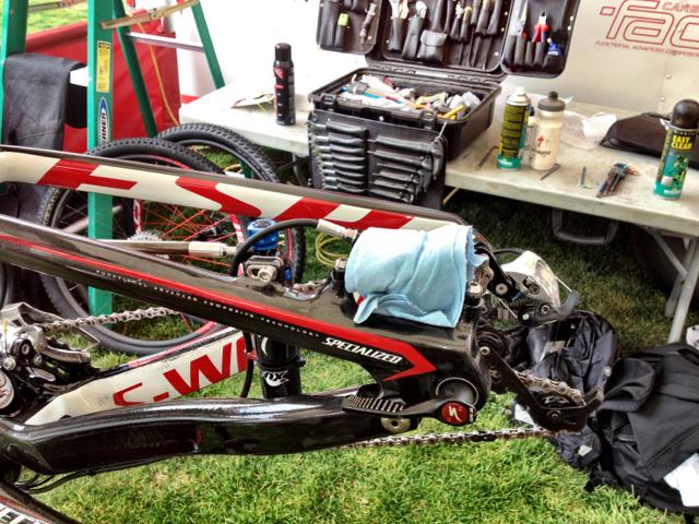 dylan-van-der-merwe-bike-cleaning-tip-conrad-stoltz-specialized-racing
