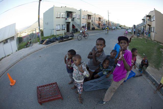 Kids Songo Kayamandi by Gary Perkin